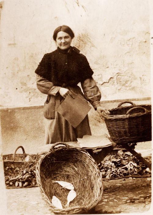 Mme Froucand, poissonnière à Montbazin - début XXème