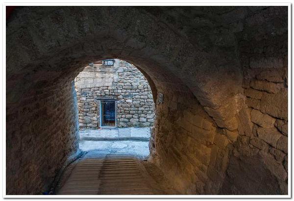 porche sous la deuxième enceinte de fortification