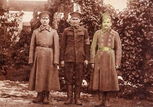 François Peremarty en compagnie de soldats russes