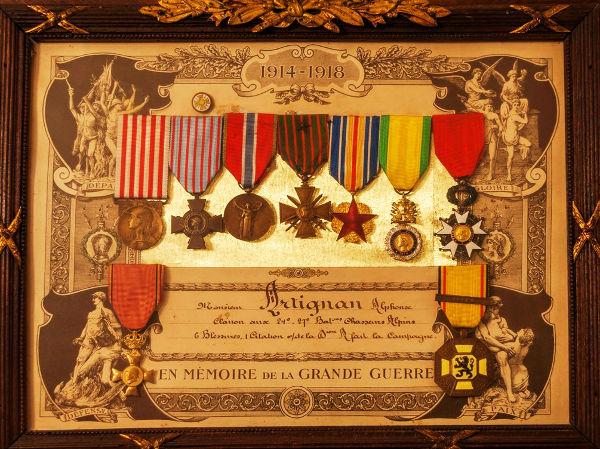 tableau médailles militaires