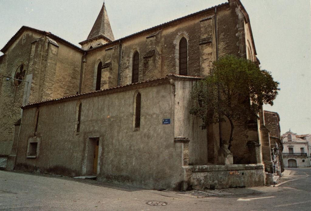 La statue avant rénovation, auprès de l'église de Montbazin