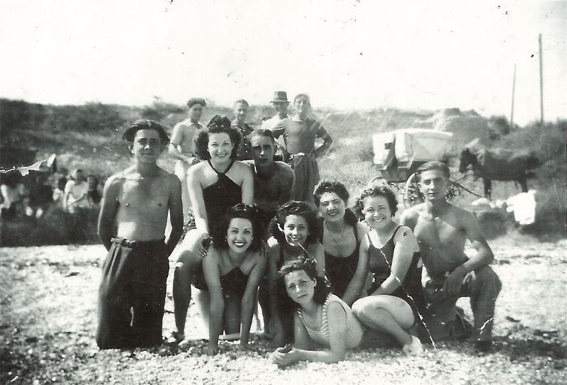 A la plage en 1943