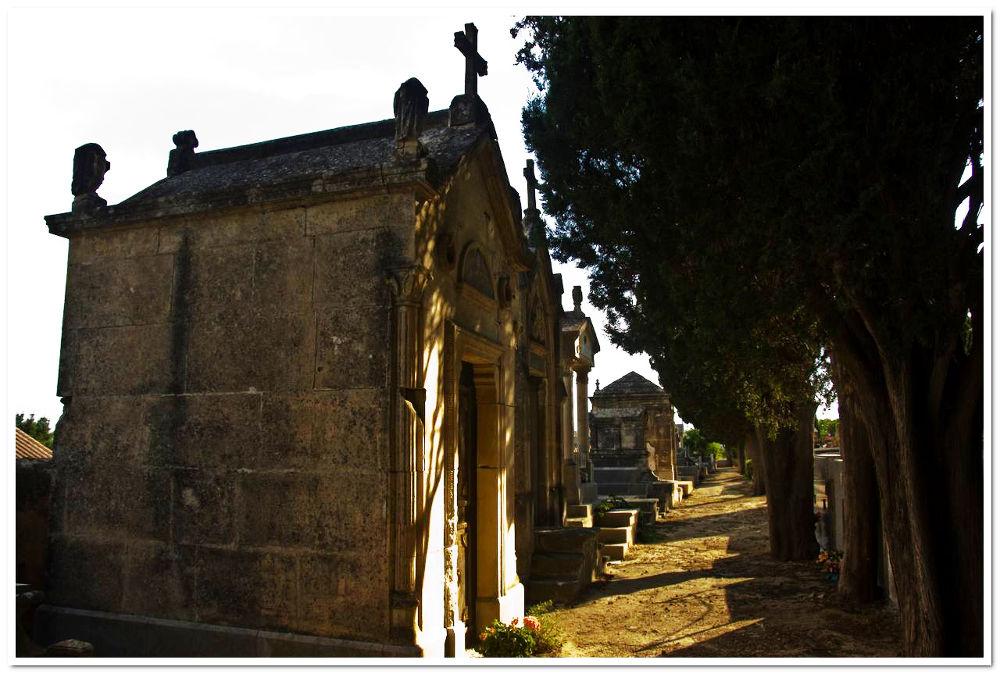 caveau au cimetière